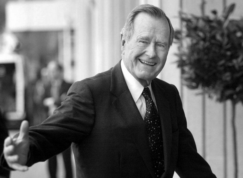 30. 11. || Pod koniec listopada zmarł były prezydent Stanów Zjednoczonych George H.W. Bush. Miał 94 lata. Bush swój urząd sprawował w latach 1989-1993, wcześniej był wiceprezydentem w administracji prezydenta Ronalda Reagana.