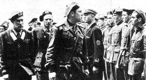 """Szaleńczo odważni Włosi w """"żywych torpedach"""""""